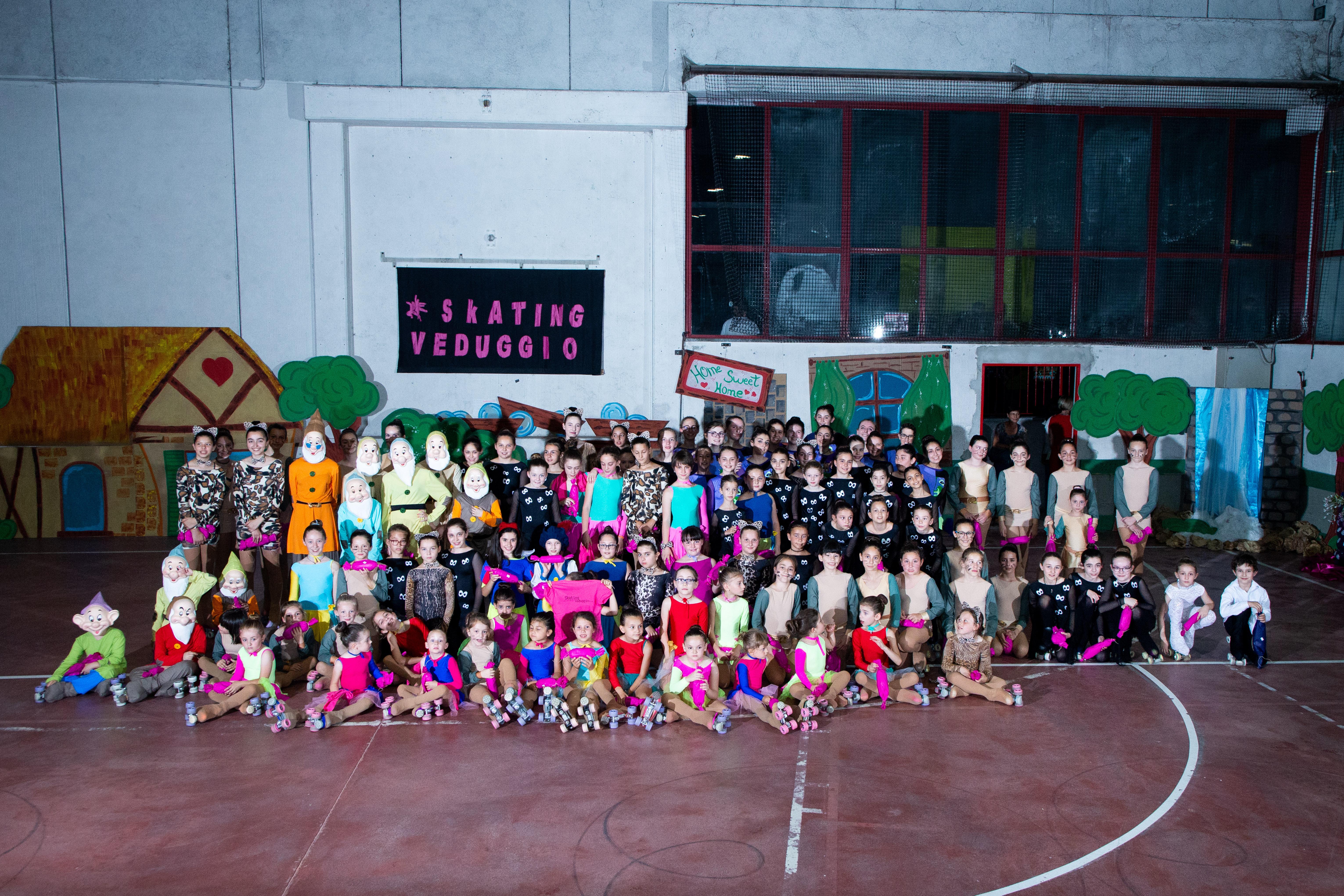 foto gruppo costumi